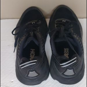 Hoka one one black tennis shoes